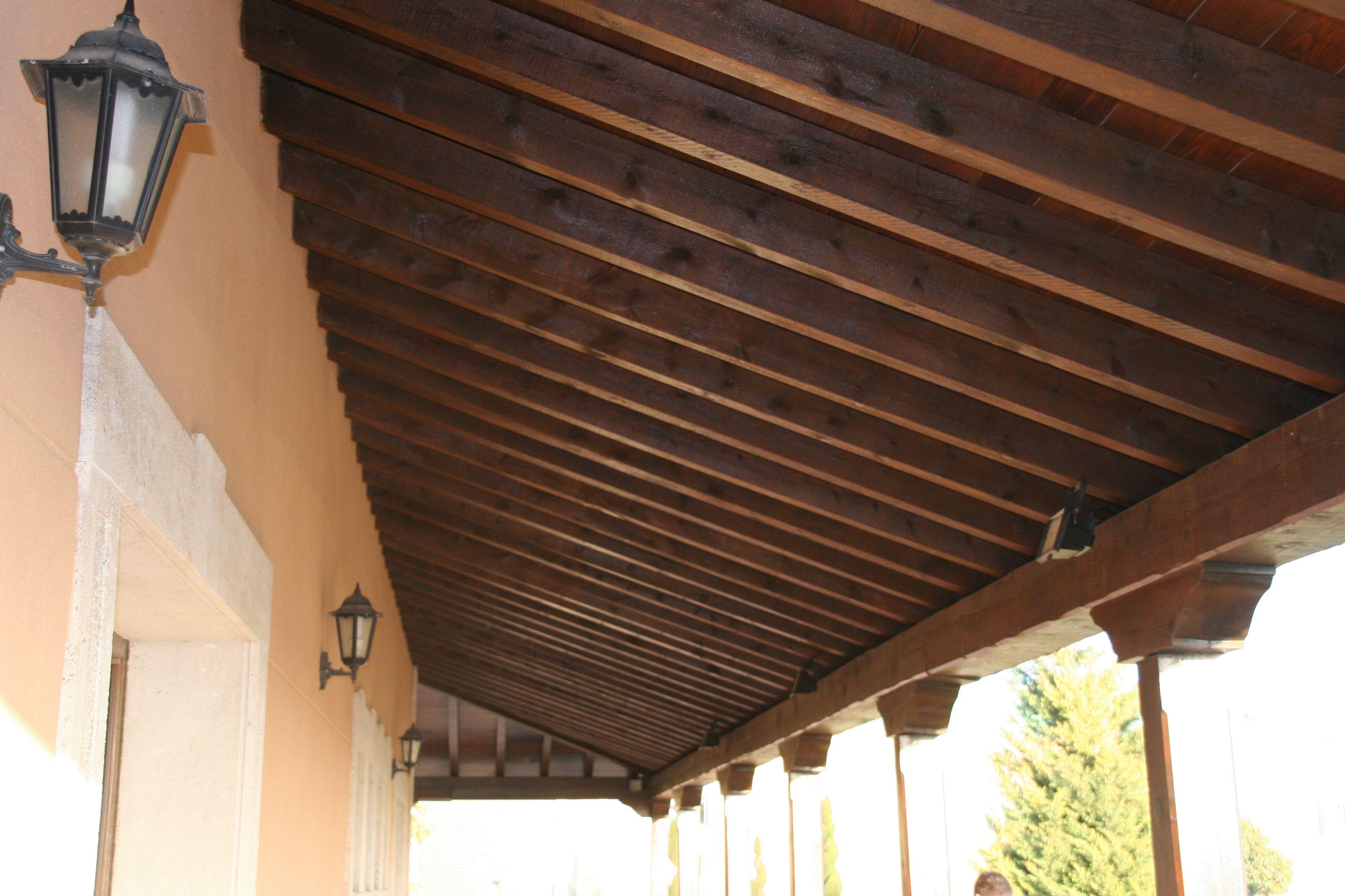 Escaleras, armarios, vestidores, muebles y techos de madera